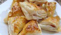 Sosisli Kaşarlı Milföy Böreği Tarifi